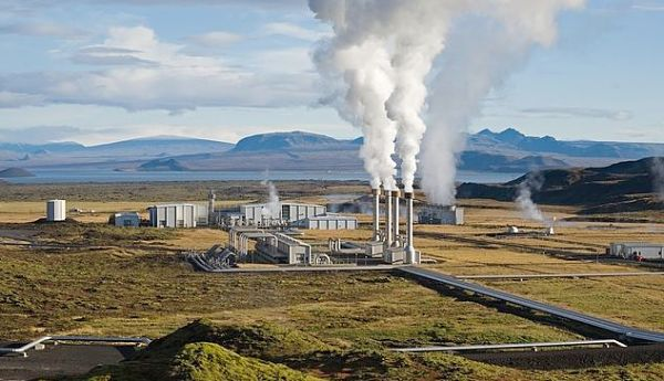 advantages of geothermal energy, a power plant for geothermal energy production